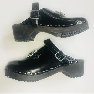 Hanna Anderson Kids Clogs sz 35 (4.5-5US)